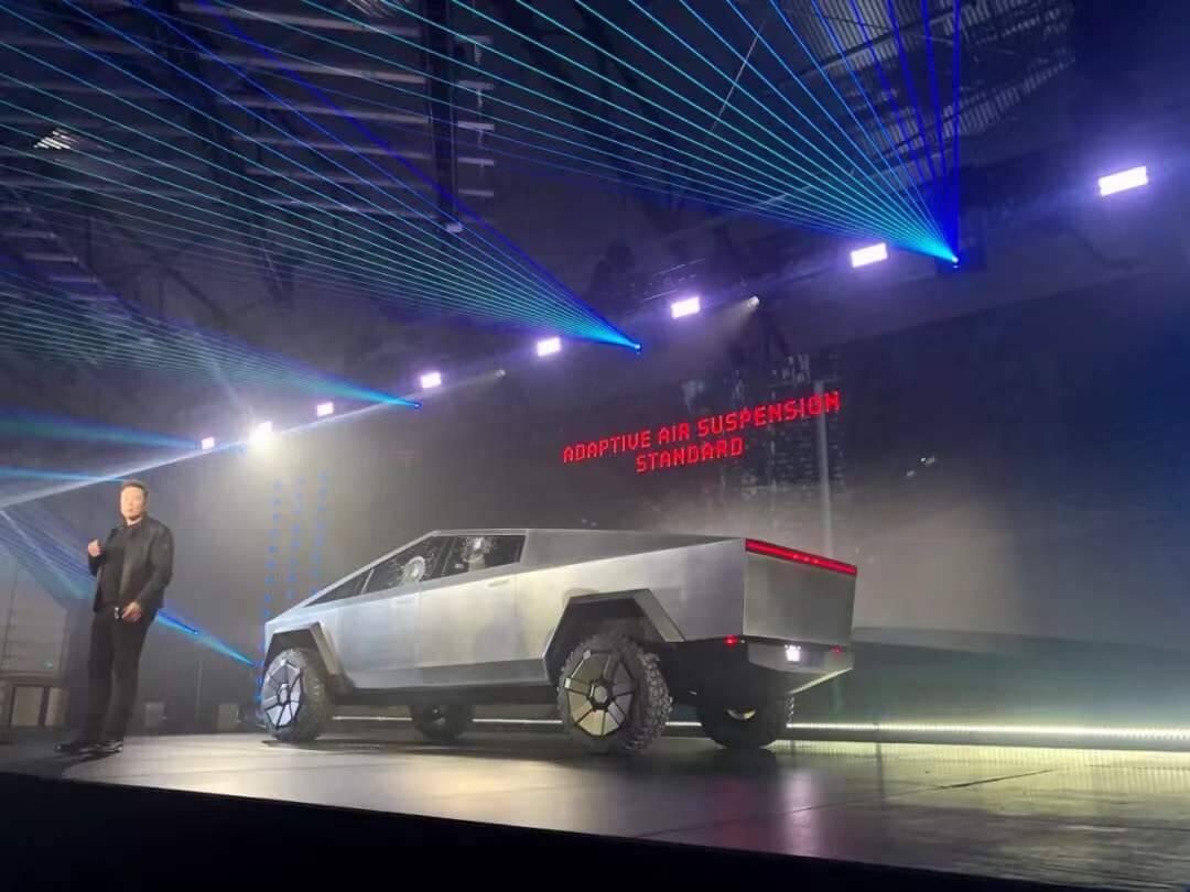 特斯拉火星皮卡 Cybertruck 发布,Elon Musk 7 年夙愿成真