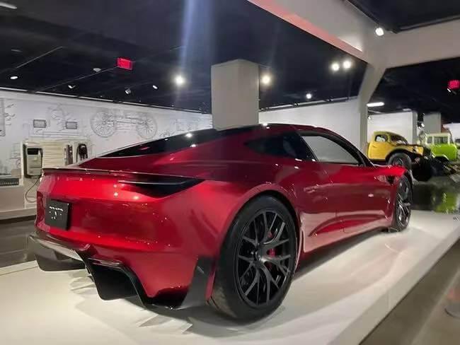 特斯拉Roadster2售价20万美元 可选装SpaceX火箭推进器